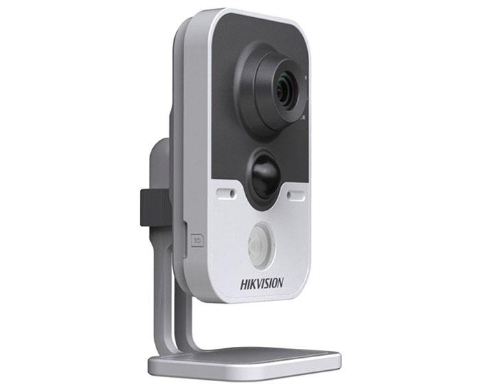 Camera Quan Sát Hikvision DS-2CD2420F-IW